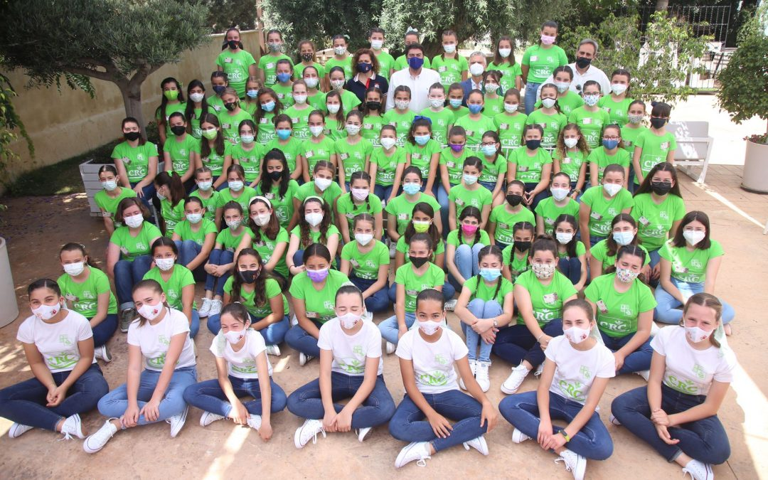 Barcala visita a las candidatas infantiles a Bellea del Foc en las convivencias