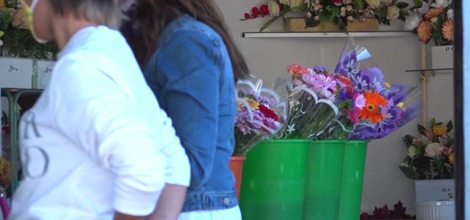 'Alicante en Flor' rinde homenaje a las víctimas del Covid