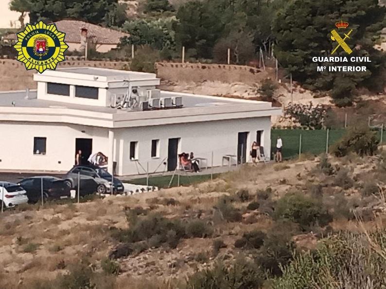 Desmantelan una fiesta en Monnegre con cien personas