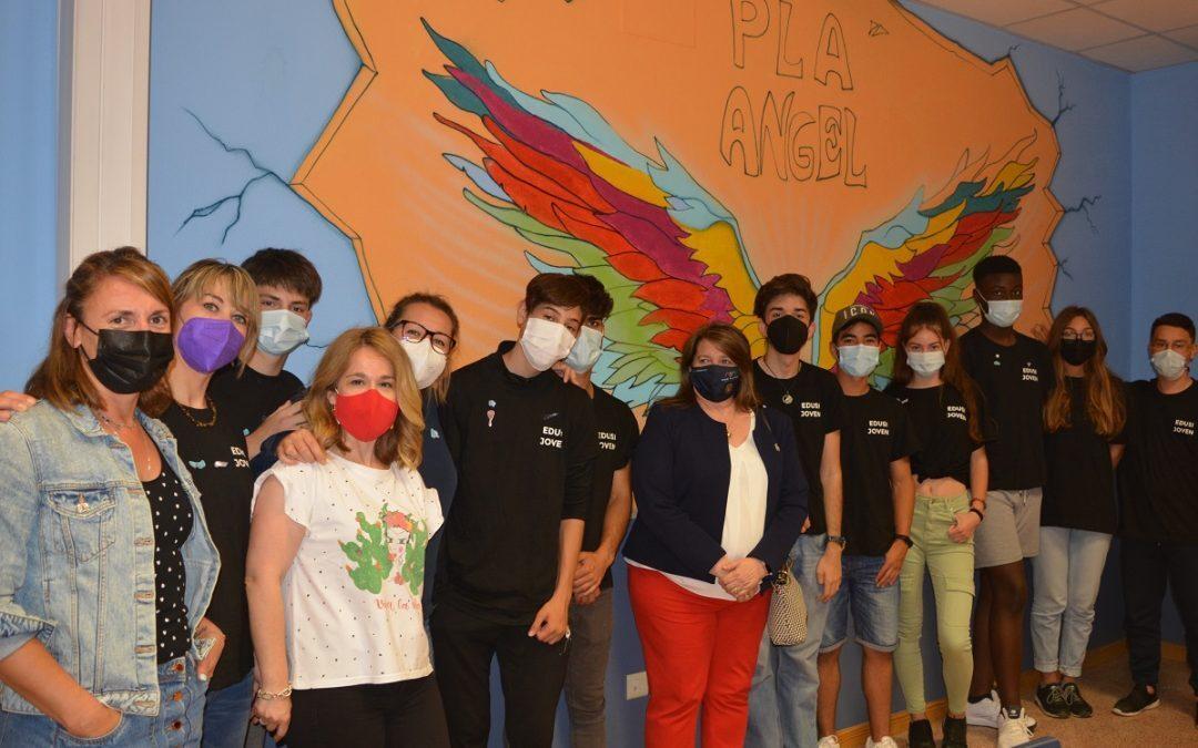 Acción Social realiza talleres de pintura de murales para la mejora social y cultural