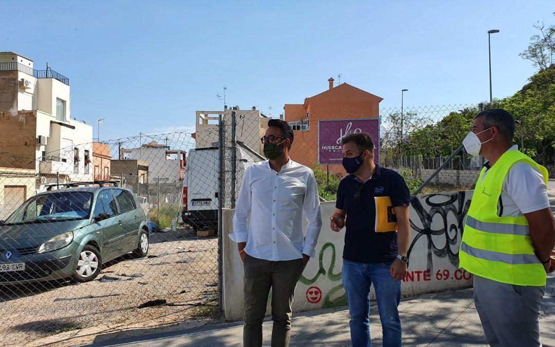 Comienza la limpieza de solares en el barrio de San Antón