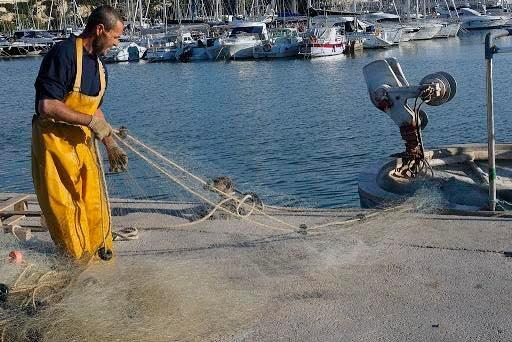 El Campello recuerda a sus pescadores en el Día de la Gente de Mar