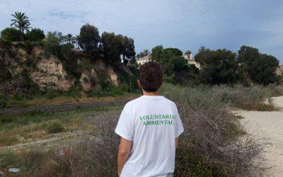 El voluntariado medioambiental baliza el Río Seco para la limpieza del sábado