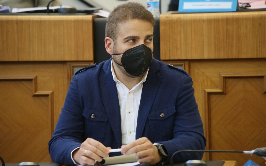 Adrián Ballester renuncia por motivos personales a su acta como diputado