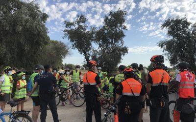 Decenas de familias participan en una yincana por las Torres de la Huerta
