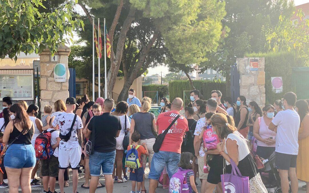 Más de 2.000 escolares inician el curso sin incidencias en El Campello