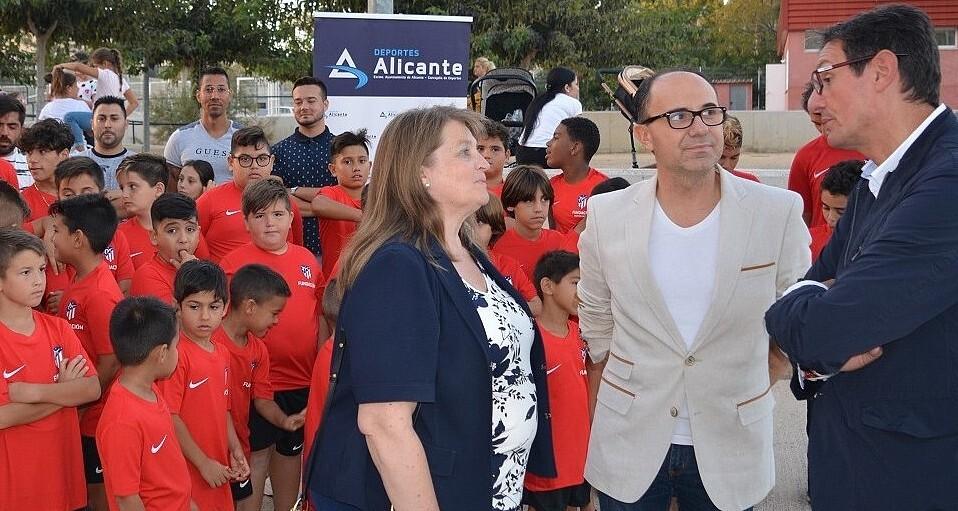 Escuela Social de Fútbol para ayudar a 90 niños en riesgo de exclusión en Alicante