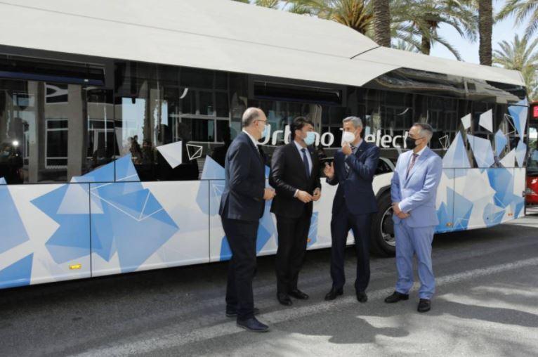 Los autobuses del transporte urbano de Alicante recuperan el aforo completo